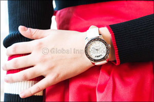 SAINT HONORÉ  Eiffel Tower Lady timepiece � A piece of history on your wrist