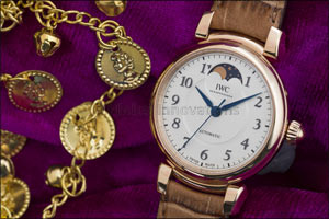 Da Vinci With Moon Phase: Homage to an Icon