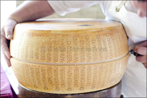 Open Dairies by Parmigiano Reggiano Consortium: A gastronomical event for tourists and food industry specialists  ...