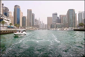 Discover from a different perspective with a Boat Rental in Dubai