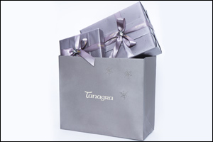 #tanagramefestive Launches Exclusive Swarovski Crystal-Embellished Wrapping Paper for the Festive Season